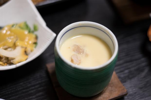 石巻市牡鹿半島鮎川浜の漁師宿「あたみ荘」が誇る、漁師直営にも関わらずとても美味しい茶碗蒸し