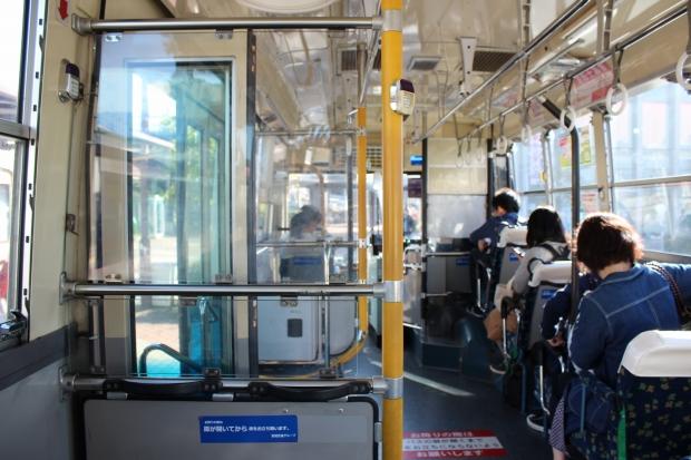 宮城交通バス車内の様子|猫島(猫の島)で有名な『田代島』を中心に巡る1泊2日石巻離島の旅