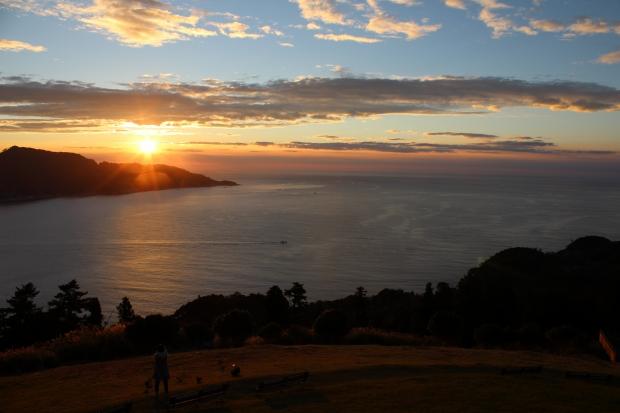 御番所公園から眺める朝日その3|猫島(猫の島)で有名な『田代島』を中心に巡る1泊2日石巻離島の旅
