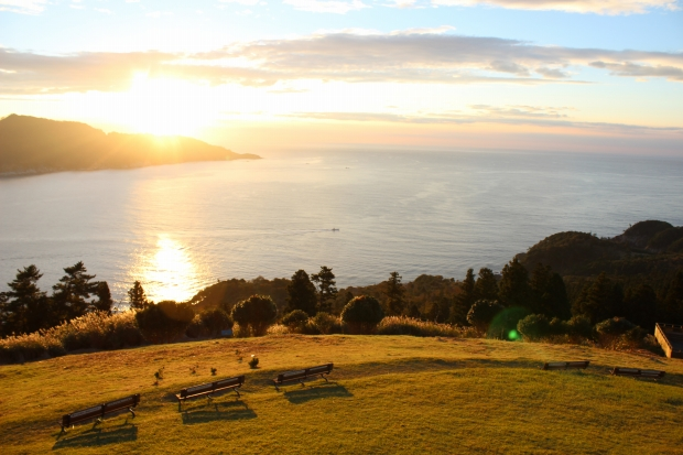 御番所公園から眺める朝日その4|猫島(猫の島)で有名な『田代島』を中心に巡る1泊2日石巻離島の旅