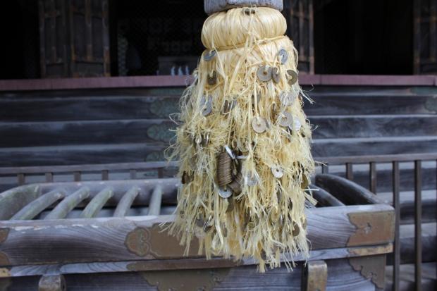 金華山の黄金山神社の鈴|猫島(猫の島)で有名な『田代島』を中心に巡る1泊2日石巻離島の旅
