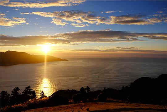 石巻市牡鹿半島鮎川浜の漁師直営民宿「あたみ荘」は何もないからこそ見える景色があります